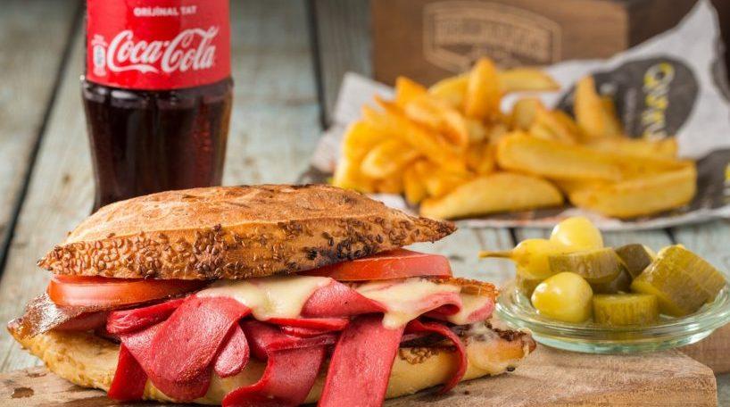 Las ventas de Coca-Cola en España se estancan por el descenso del turismo