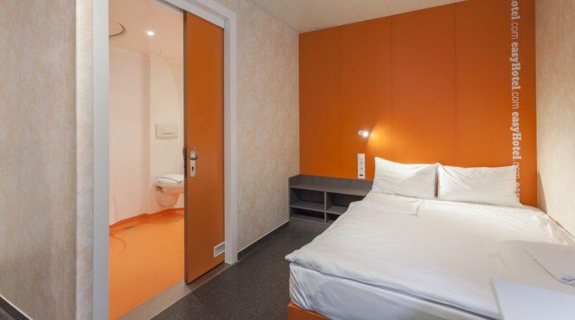 El de Barcelona es el primer EasyHotel en España