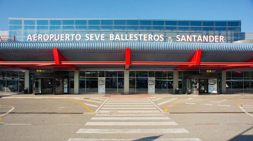 El aeropuerto de Santander duplica sus vuelos internacionales en tres años