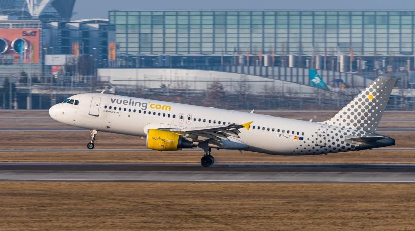 Vueling conectará Asturias con Londres y Alicante a partir de abril