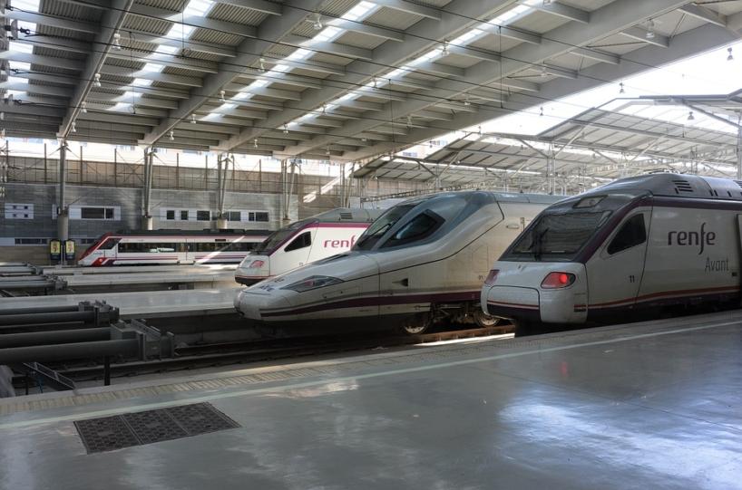 Trenes en estación de Renfe