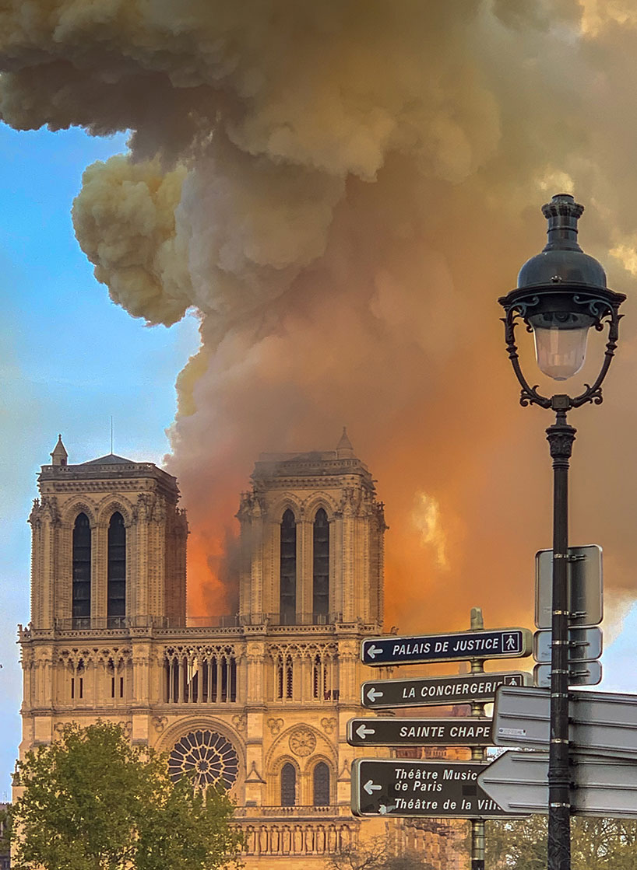 Notre-Dame en llamas