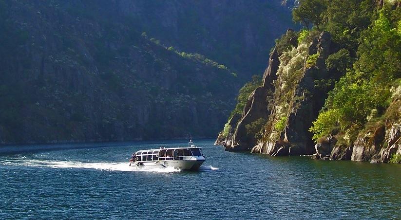 Catamarán río Sil